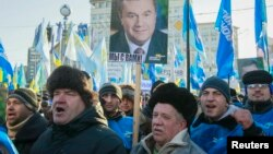 Провладні демонстранти, 14 грудня 2013 року