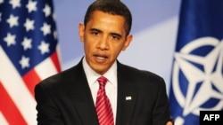 باراک اوباما در پايان نشست روز شنبه ناتو گفت: از تصميم ناتو برای حمايت از استراتژی تازه در افغانستان خوشحال شده است.