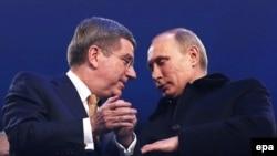 Doi prieteni, Vladimir Putin și preșdintele CIO, Thomas Bach la Soci în 2014
