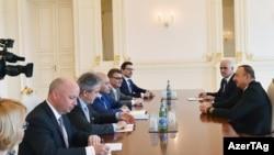 Встреча Ильхама Алиева с главой ЕБРР Сума Чакрабарти