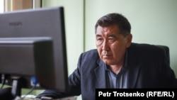"""""""ДАТ"""" оппозициялық газетінің жетекшісі, журналист Ермұрат Бапи. Алматы, 15 шілде 2020 жыл."""