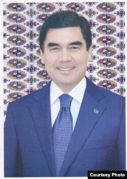 Türkmen prezidentiniň 2012-nji ýyldaky portreti.