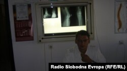 Доктор Стефан Трајановски, ортопед хирург на Ортопедското одделение во Општата болница во Куманово.