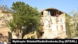 Раніше в Одесі обвалилася частина будинку, зведеного в 1890 році, тоді теж ніхто не постраждав, 18 травня 2020 року