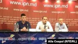 Membri ai grupului de iniţiativă pentru înregistrarea unui nou partid