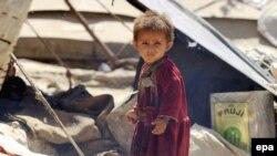 Большинство населения Земли — люди преимущественно устной культуры, — как, например, этот ребенок одного из афганских племен