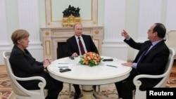 Angela Merkel ,Vladimir Putin və Francois Hollande