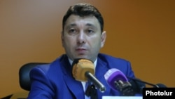 Armenia - Eduard Sharmazanov, spokesman for the ruling Republican Party, at a news conference in Yerevan, 11Jul2016.