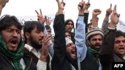 Акция протеста студентов. Джалал-Абад, 13 марта 2012 года.
