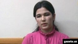 Жительница города Чирчик Умида Кадырова, которая обвиняется в верборке молодых девушек в ряды «ИГ» (Фото взято с веб-сайта kun.uz).
