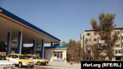 یک پمپ استیشن تیل در منطقه مکروریان شهر کابل