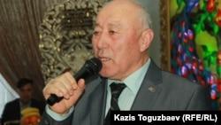 Бывший командир «мусульманского батальона» Хабибджан Холбаев выступает на поминальном обеде в память о бывшем командире другого «мусульманского батальона» в Афганистане Борисе Керимбаеве (Кара Майоре). Алматы, 8 февраля 2020 года.