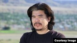 Алтынбек Максүтов, Кыргызстандын маданият, маалымат жана туризм министри.
