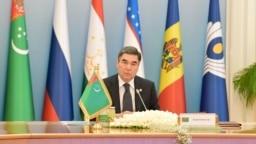 Türkmenistanyň prezidenti Gurbanguly Berdimuhamedow GDA ýurtlarynyň hökümet baştutanlarynyň Geňeşiniň mejlisini alyp barýar. 31-nji maý, 2019.