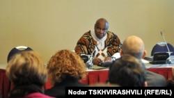 მშვიდობიანი შეკრებისა და თავისუფლების საკითხებზე გაეროს სპეციალური მომხსენებელი მაინა კიაი. თბილისი, 2012 წლის 13 თებერვალი