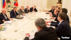 Встреча Госсекретаря США Джона Керри и президента России Владимира Путина. Москва, 24 марта 2016 года.