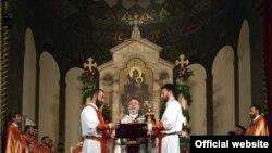 Пасхальная литургия в Кафедральном соборе Первопрестольного Святого Эчмиадзина, 24 апреля 2011 г. (фотография пресс-канцелярии Первопрестольного Святого Эчмиадзина)