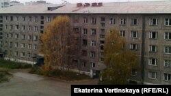 Иркутск, бывшее общежитие, ныне дом без электричества