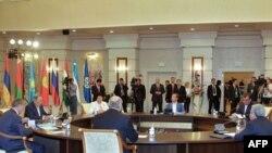 ԱՊՀ երկրների ղեկավարները ՀԱԿՊ-ի գագաթնաժողովում: 12-ը օգոստոսի, Աստանա