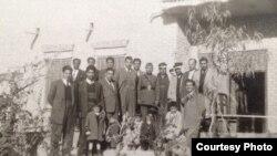 في بيت الشيخ حبيب الخيزران، دلي عباس- لواء بعقوبة 1950