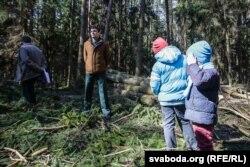 Лес прыйшлі бараніць нават дзеці