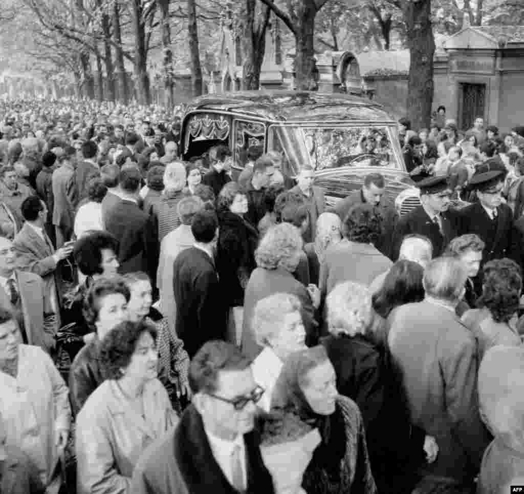 Piaf's funeral at the Pere Lachaise cemetery in Paris on October 14, 1963.