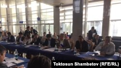 """Ата Мекен"" фракциясынын ""Манас"" аба майданындагы жыйыны."