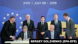 Подписание документов саммита Украина-ЕС. Киев, 8 июля 2019 года
