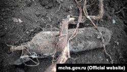 Спасатели в Кировском районе Крыма уничтожили баллон снеизвестным веществом, 22 декабря 2017 года