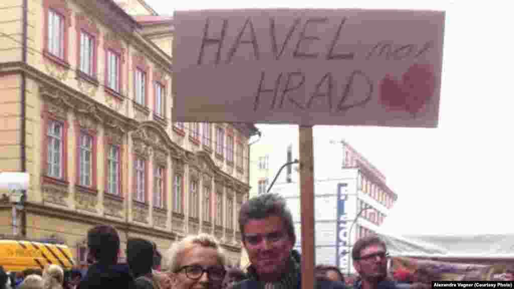 """""""Гавел - на Град!"""" - лозунг """"бархатной революции""""."""