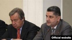 ՄԱԿ-ի փախստականների հարցերով գերագույն հանձնակատար Անիտոնիո Գուտերեշը եւ Հայաստանի վարչապետ Տիգրան Սարգսյանը: