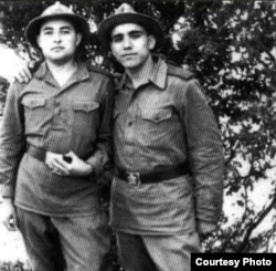 Şair Zəlimxan Yaqub (sağda) dostu Osmanla 1973-cü il...