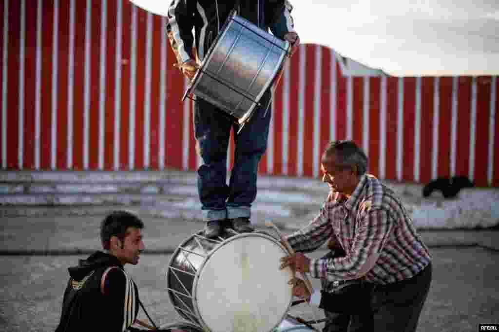 The Drummers Of Macedonia's Semka Band #17