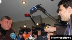 Главный оппозиционный кандидат в президенты Леван Гачечиладзе публично назвал главу ЦИК Грузии лжецом и бесчестным человеком