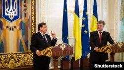 Президент України Петро Порошенко і президент Європейської комісії Жозе-Мануель Баррозу