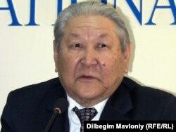 Саясаткер Серікболсын Әбділдин. Алматы, 21 ақпан 2011 жыл.