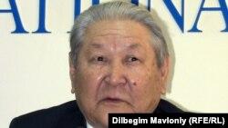 Серикболсын Абдильдин - бывший глава Коммунистической партии Казахстана. Алматы, 21 февраля 2011 года.