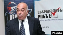 Armenia -- The chairman of It's Your Choice NGO, Harutyun Hambardzumian, at a press conference in Yerevan, 8May2012.