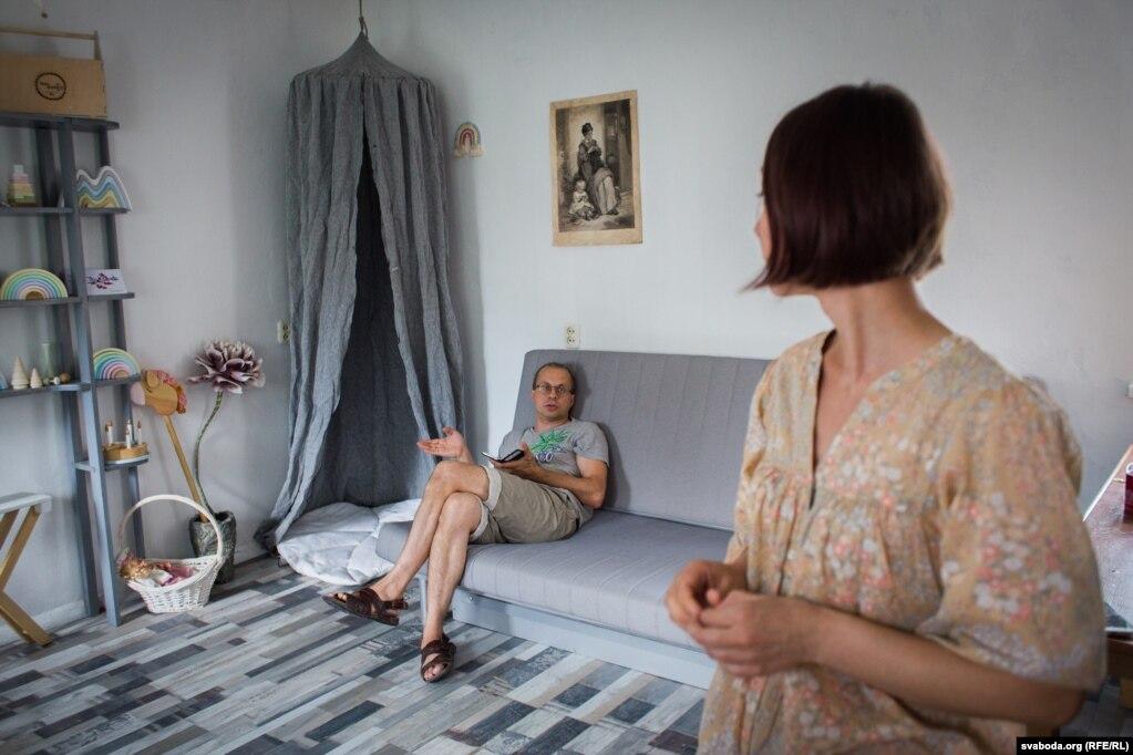 Муж Екатерины Александр поддерживает жены идею и помогает