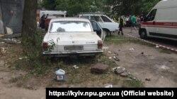 14 червня в Києві внаслідок вибуху в покинутій «Волзі» були поранені четверо дітей