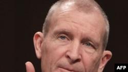 دنیس بلر ، رییس اطلاعات ملی که وظيفه اش نظارت بر ۱۶ سازمان اطلاعاتی اين کشور است،