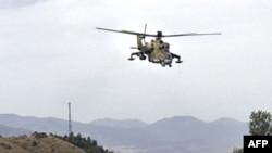 Местные жители рассказывают, что российские ВВС довольно часто летают над территорией, подконтрольной официальному Тбилиси, правда, летают они, как правило, вдоль линии оккупации