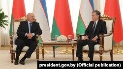 Аляксандар Лукашэнка і Шаўкат Мірзіёеў на перамовах у Ташкенце