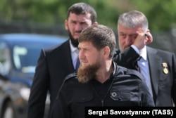 У Даудова и Делимханова тоже есть кони: насколько нам известно, их им подарил Кадыров