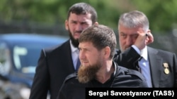 Рамзан Кадыров со свитой