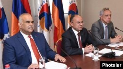 Armenia - Opposition leaders Raffi Hovannisian (L), Seyran Ohanian (C) and Vartan Oskanian at a news conference in Yerevan, 31Mar2017.