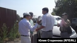 Районный чиновник приехал к предпринимателям с документами за несколько минут до сноса