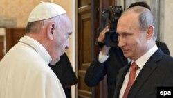 Հռոմի պապ Ֆրանցիսկոսի և Ռուսաստանի նախագահ Վլադիմիր Պուտինի հանդիպումը Վատիկանում, 10-ը հունիսի, 2015թ․