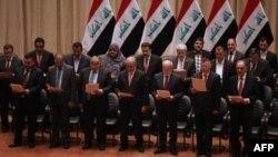 Жаңы өкмөт мүчөлөрү ант берүүдө. Багдад, 8-сентябрь, 2014-жыл.