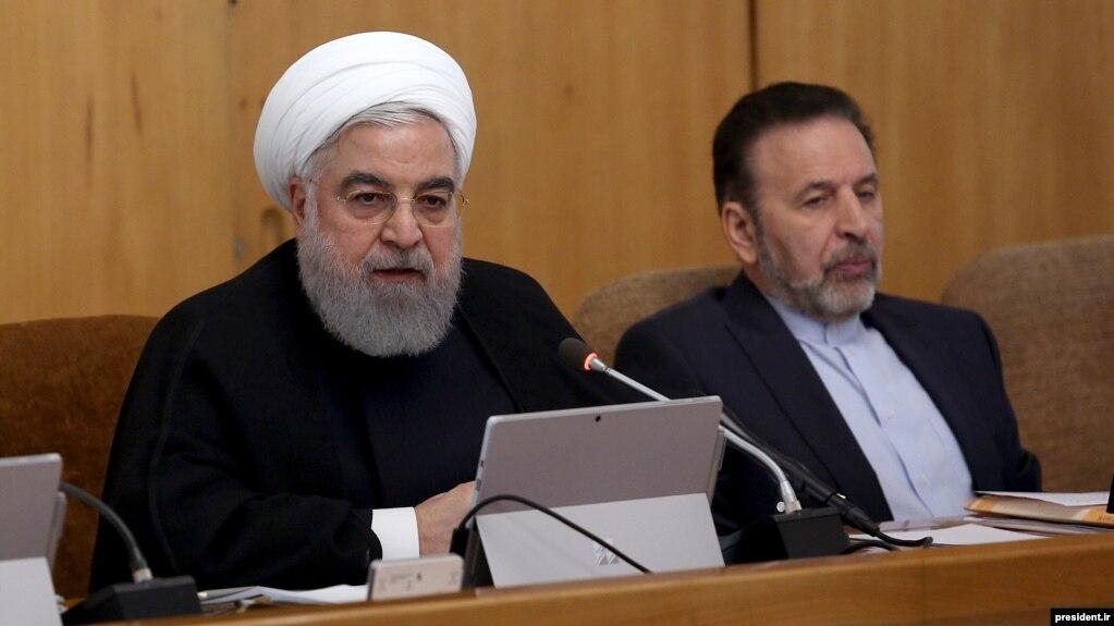 به گفته حسن روحانی، ۶۰ میلیون نفر در ایران تحت فشار هستند و از یارانه جدید بهرهمند میشوند